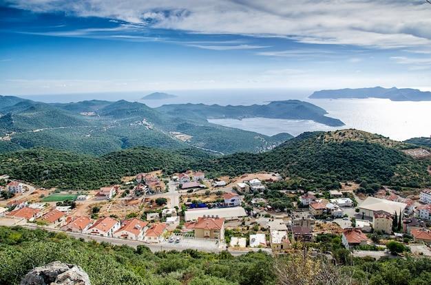 Cidade e porto de kash, na costa mediterrânea da turquia