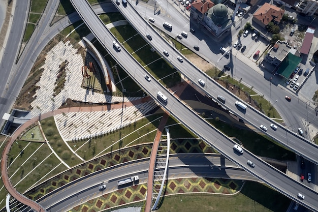 Cidade europeia vista de cima de denizli em pamukkale
