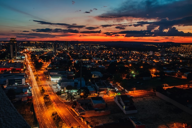 Cidade por do sol