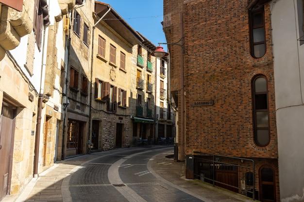 Cidade velha do município de lezo, a pequena cidade costeira na província de gipuzkoa, país basco