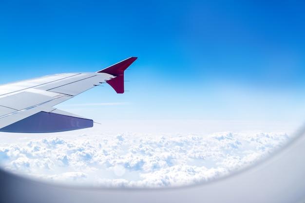 Cima, avião, janela, com, asa avião, viajando, conceito