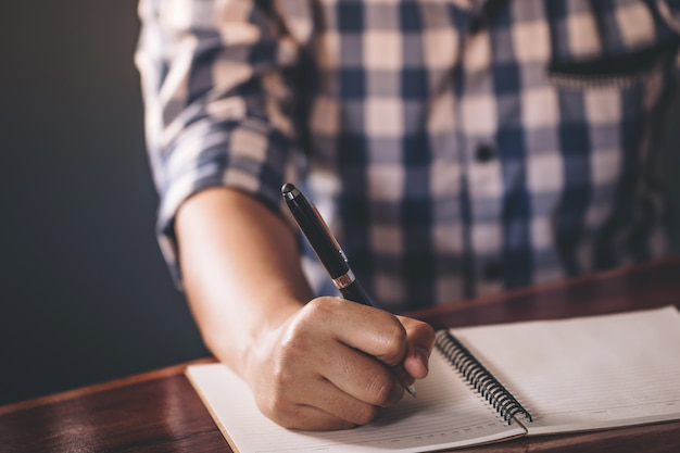 Cima, de, caneta mão segurando