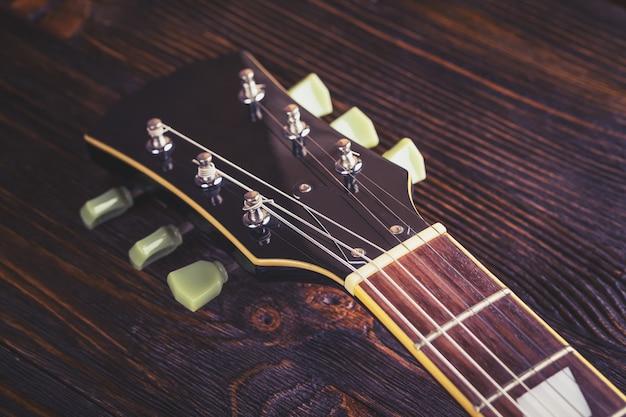 Cima, de, música, violão