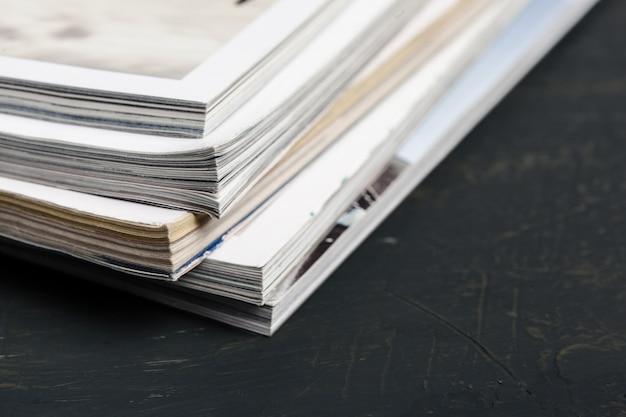 Cima, empilhando, revista, lugar, tabela