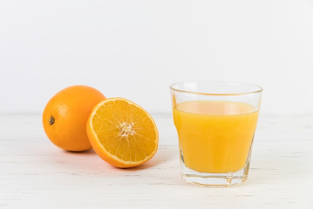 Cima, suco laranja, vidro, ligado, tabela