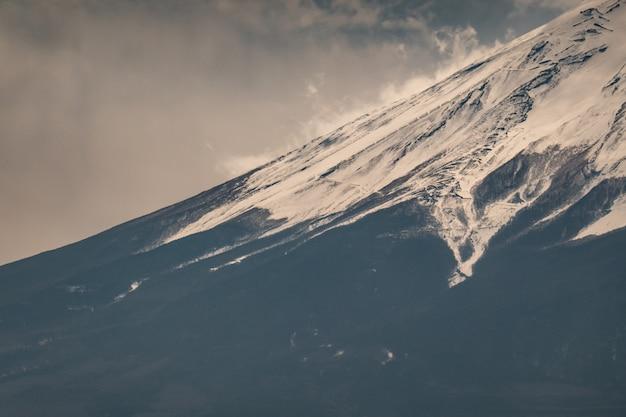 Cima, topo, de, fuji, montanha, com, cobertura neve, ligado, a, topo, com, could, fujisan Foto Premium