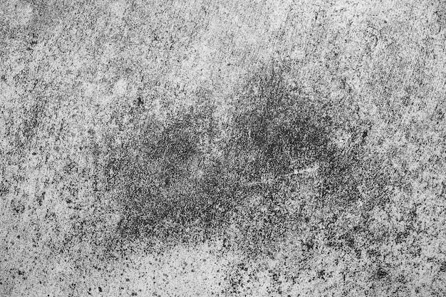 Cimento velho ou parede de concreto ao ar livre com manchas e mofo para textura e fundo vintage cru.