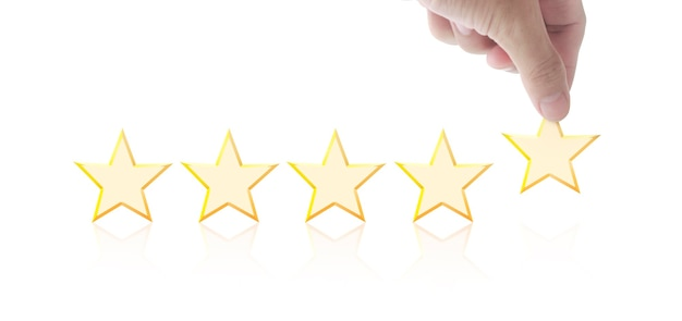 Cinco estrelas em mãos. aumente a avaliação da classificação e o conceito de classificação
