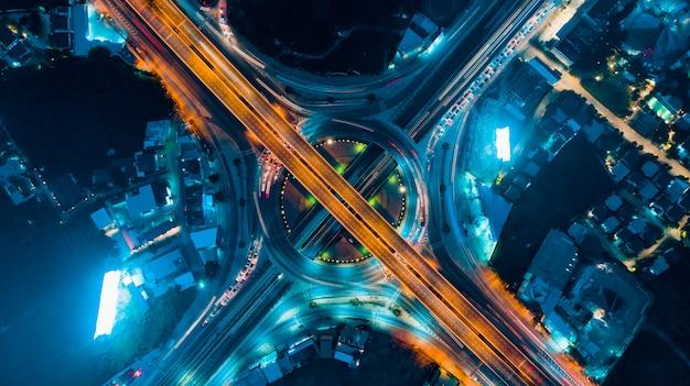 Circle road traffic um importante transporte em bangkok tailândia