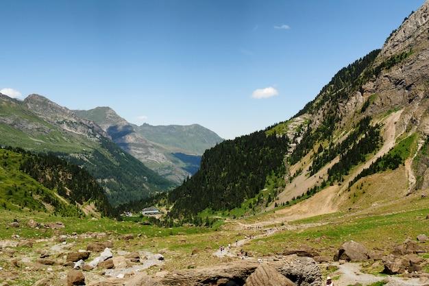 Circo de gavarnie nas montanhas dos altos pirenéus franceses