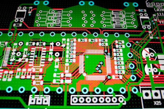 Circuito elétrico de pcb na tela do pc