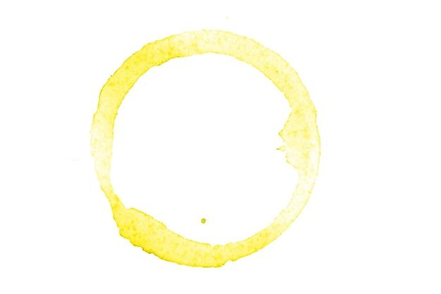 Círculo amarelo aquarela isolado no fundo branco