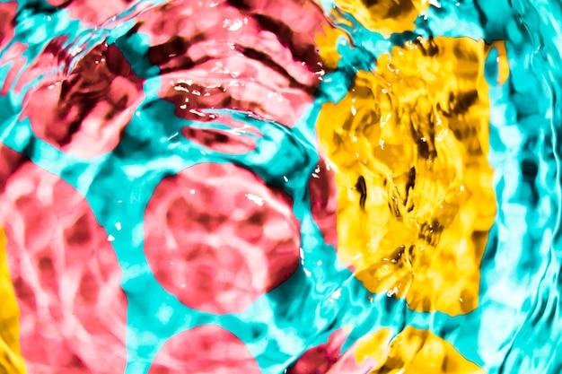 Círculo colorido de vista superior de ondas de água