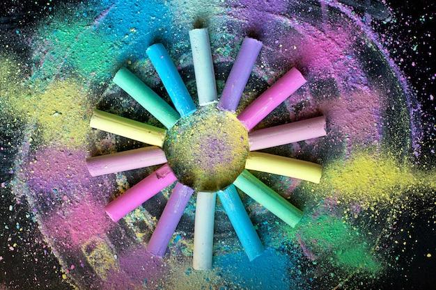 Círculo de giz colorido