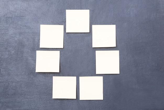Círculo de variação. imagem de um grupo de lembretes formando um círculo