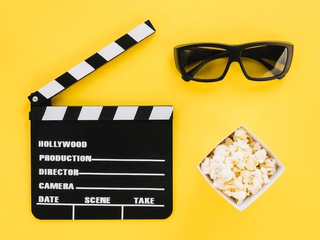 Claquete de cinema de vista superior com óculos 3d