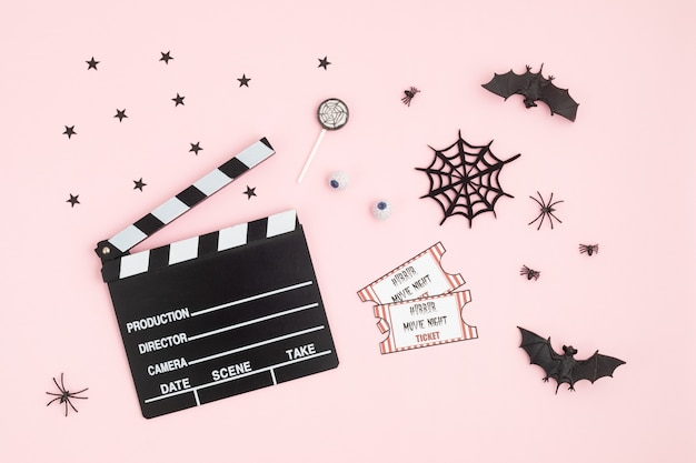 Claquete de cinema e decoração de halloween