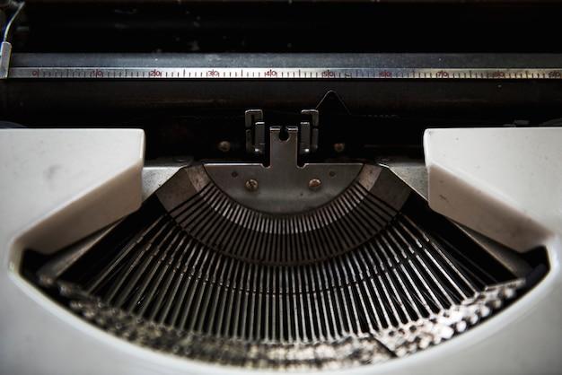 Clássico de máquina de escrever editor publicar conceito