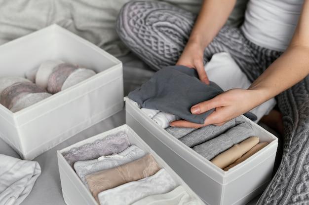 Classificação de roupas íntimas em close
