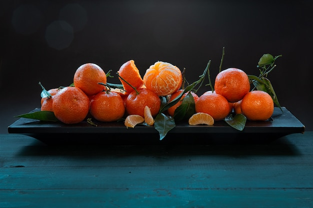 Clementinas com folhas .frutas