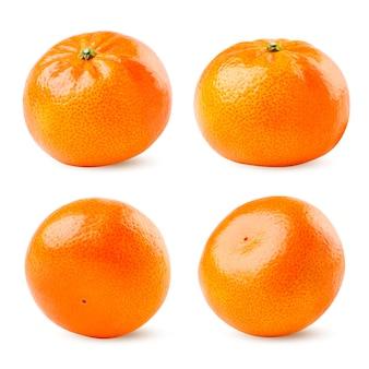 Clementinas definir close-up em um fundo branco, diferente encurtamento. isolado