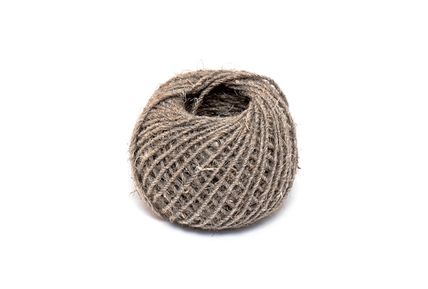 Clew of rope or ball of rope isolado no fundo branco