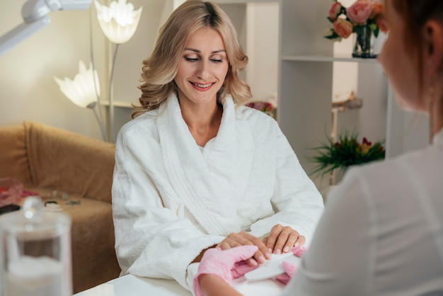 Cliente de higiene e cuidado das unhas