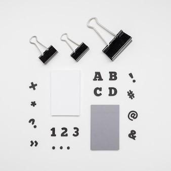 Clipes de papel e cartões de visita magnéticos