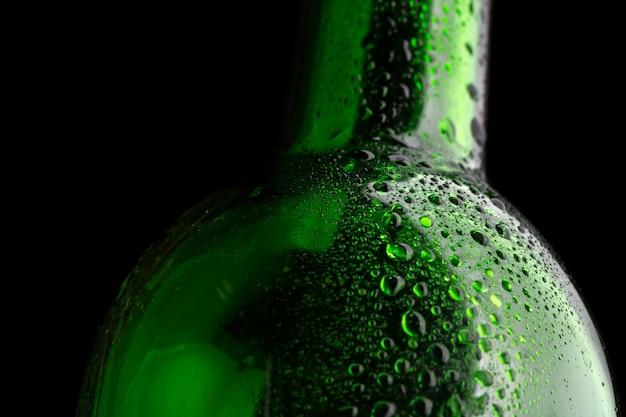Close da garrafa de vidro