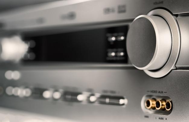 Close de equipamento de áudio