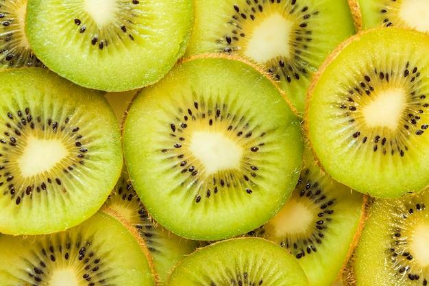 Close de fatias de kiwi
