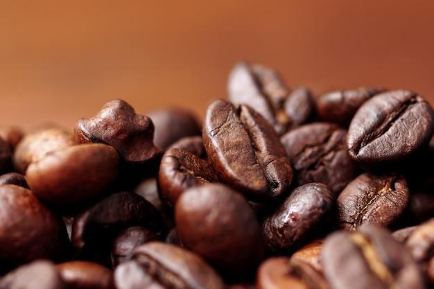 Close de grãos de café foco seletivo