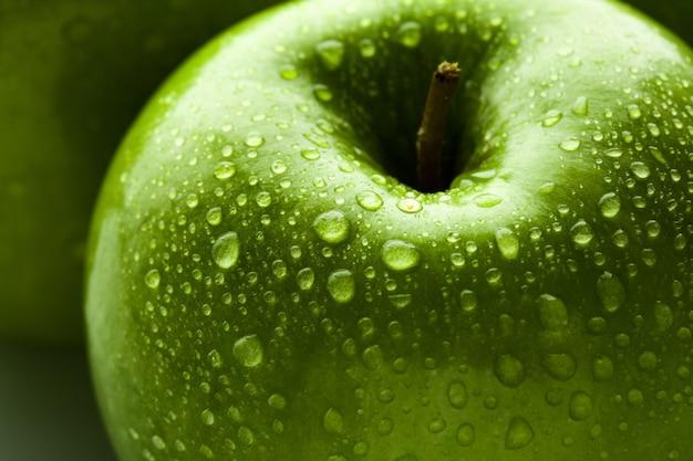 Close de maçã verde