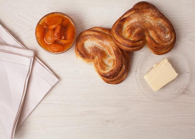 Close de pães doces frescos