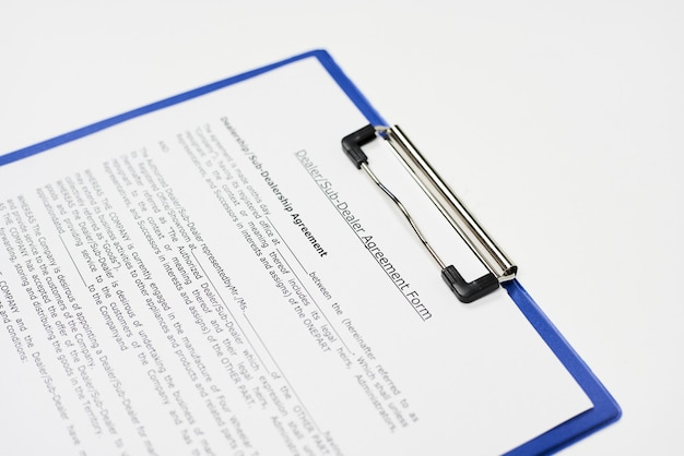 Close de um documento intitulado