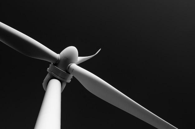 Close de um moinho de vento. foto preto e branco