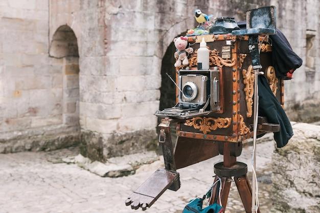 Close de uma câmera antiga