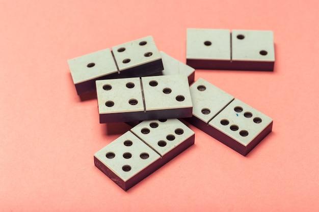Close do jogo de dominó