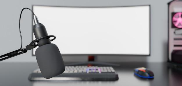 Close do microfone de estúdio com mesa e computador de jogos fora de foco atrás