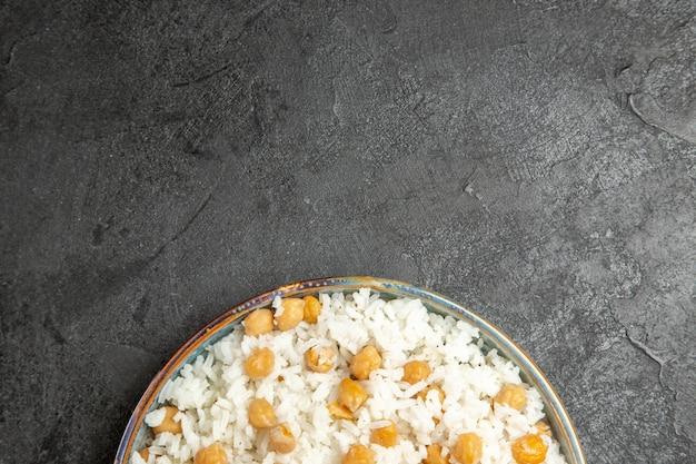 Close-up com farinha de arroz cozido no vapor no prato