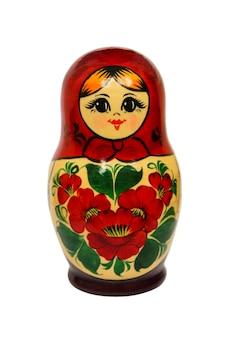 Close-up da boneca russa isolado no branco
