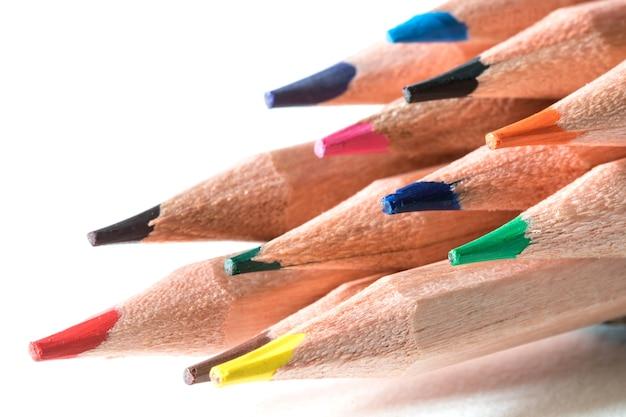 Close-up da cabeça de lápis de cor, um conceito criativo ideia colorida