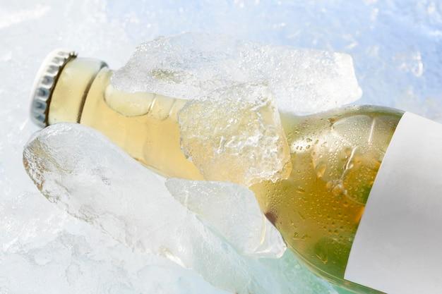 Close-up da garrafa com espaço de cópia