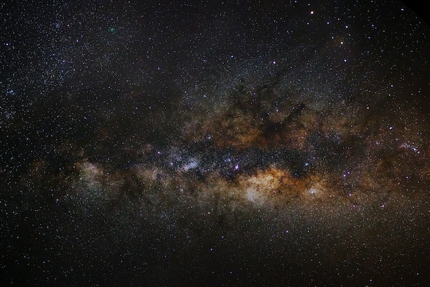 Close-up da via láctea com estrelas e poeira espacial no universo