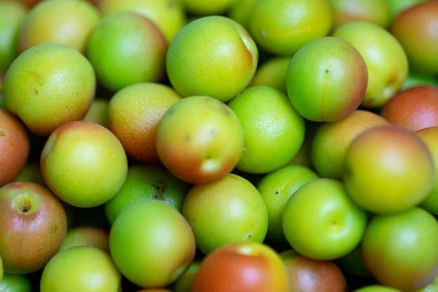 Close up das ameixas japonesas umeshu