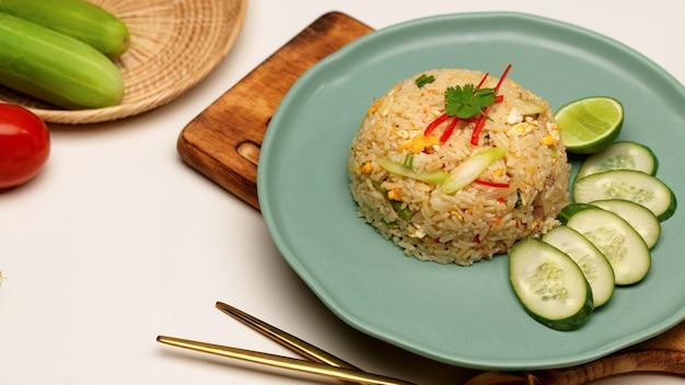 Close-up de arroz frito tailandês caseiro