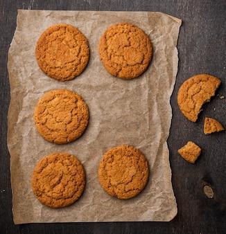 Close-up de biscoitos assados frescos