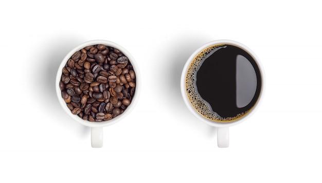 Close-up de café preto em copo branco