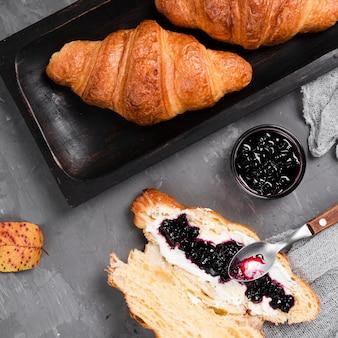Close-up, de, croissants, e, geleia