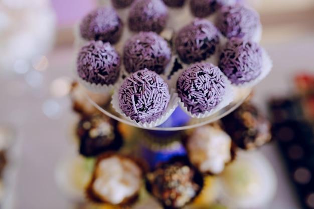 Close-up de esferas do chocolate